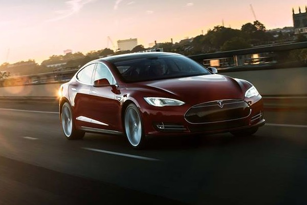 Attention Tesla Owners: You Can Now Name Your Car
