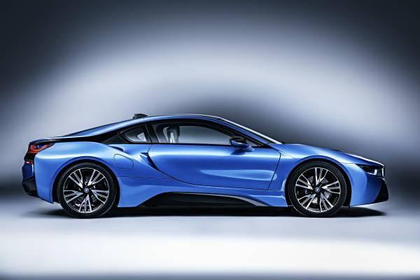 BMW i8 (Credit: BMW)