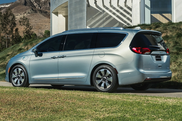 chrysler reveals a new minivan the pacifica insider car. Black Bedroom Furniture Sets. Home Design Ideas