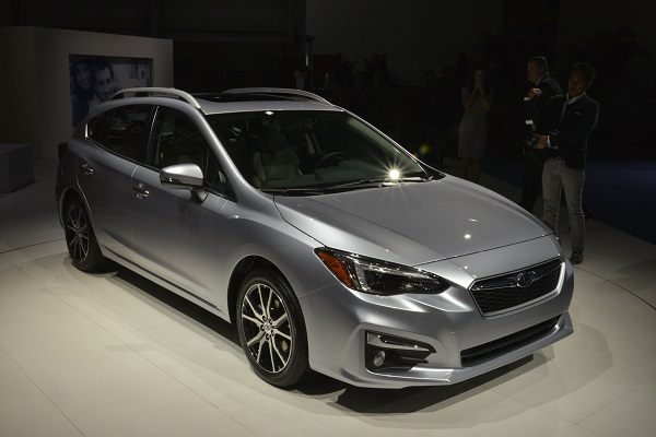 subaru keeps the impreza s manual tranny for 2017 insider car news. Black Bedroom Furniture Sets. Home Design Ideas