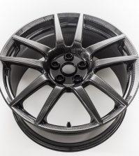2017 Ford GT optional gloss finish carbon fiber wheel
