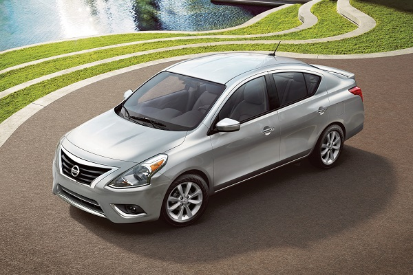 the 2017 versa sedan gains a new package and retains its super low base price insider car news. Black Bedroom Furniture Sets. Home Design Ideas