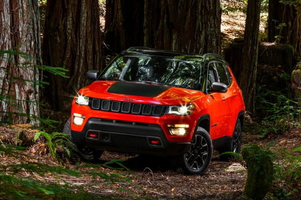 Jeep Compass returns in large gallery