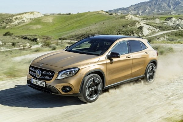 The gla class gets a new look for 2018 insider car news for 2017 mercedes benz gla class gla250